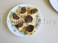 Pickled walnuts