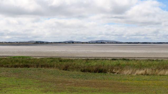 A dry Lake Colac